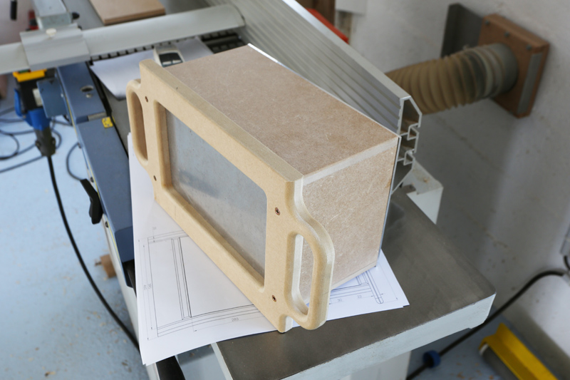 Motorisation table raboteuse (voir p.13) et amélioration R/D Holztech FS320 (première partie)  - Page 2 08_jui10