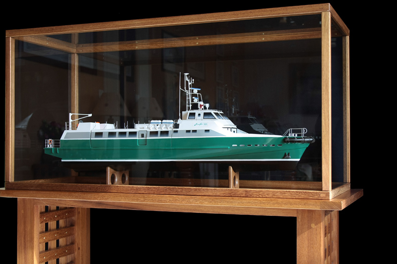 Une vitrine pour maquette. 1020_c10