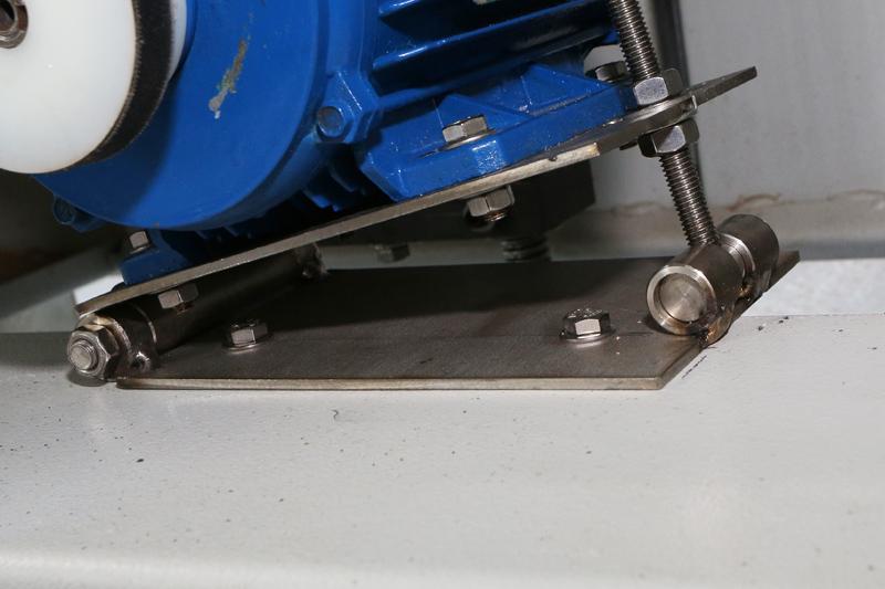 Motorisation table raboteuse (voir p.13) et amélioration R/D Holztech FS320 (première partie)  16_jui11