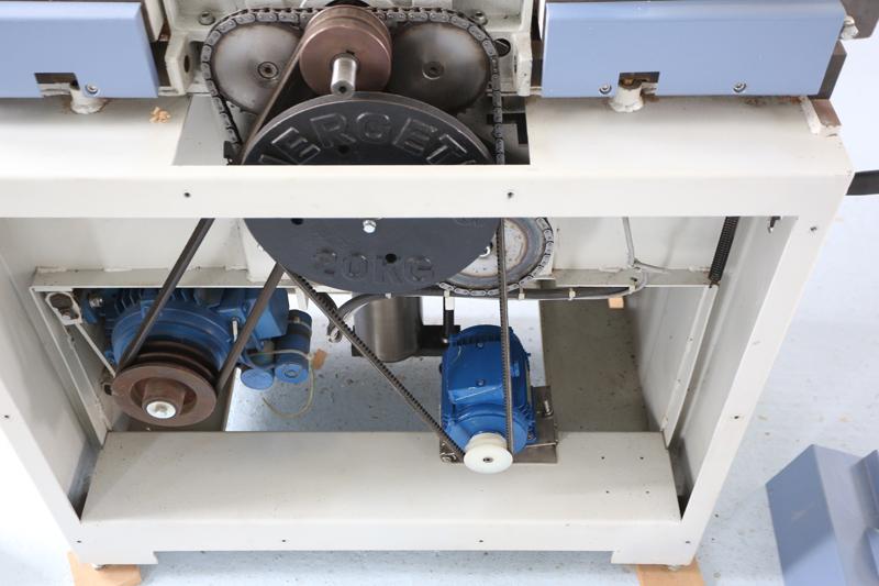 amélioration R D - Motorisation table raboteuse (voir p.13) et amélioration R/D Holztech FS320 (première partie)  16_jui12