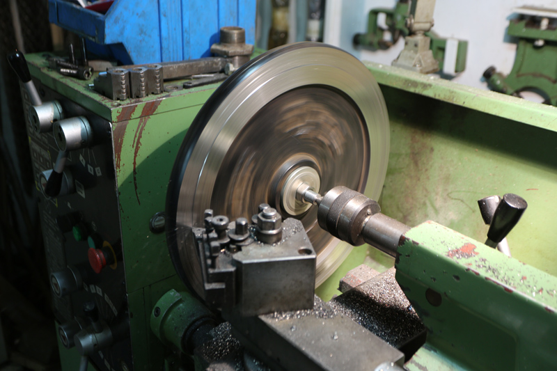 Motorisation table raboteuse (voir p.13) et amélioration R/D Holztech FS320 (première partie)  21_mai11