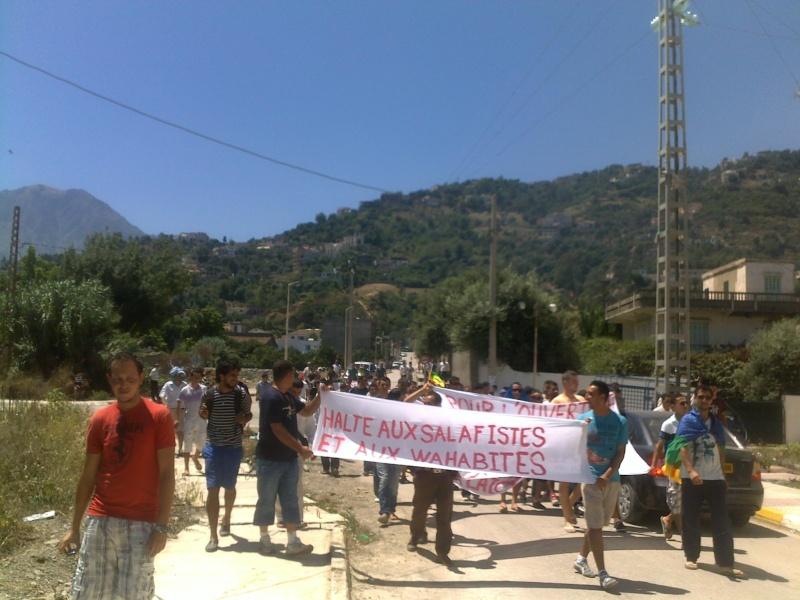 LIBERTE DE CONSCIENCE EN KABYLIE : Appel à un rassemblement le samedi 3 Août à 11 h à proximité de la poste d'Aokas  - Page 3 03082057