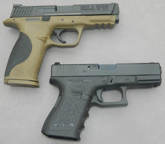 Smith& Wesson M&P 9 Flat dark Earth Carry and range Kit 1610