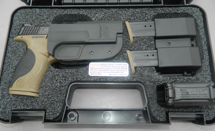Smith& Wesson M&P 9 Flat dark Earth Carry and range Kit 313