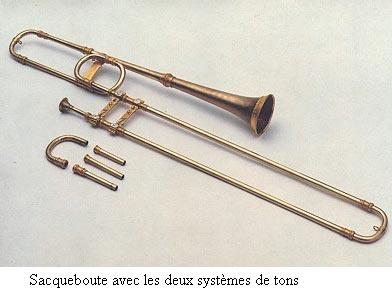 Fabrication d'un trombone par un artisan Sacque10