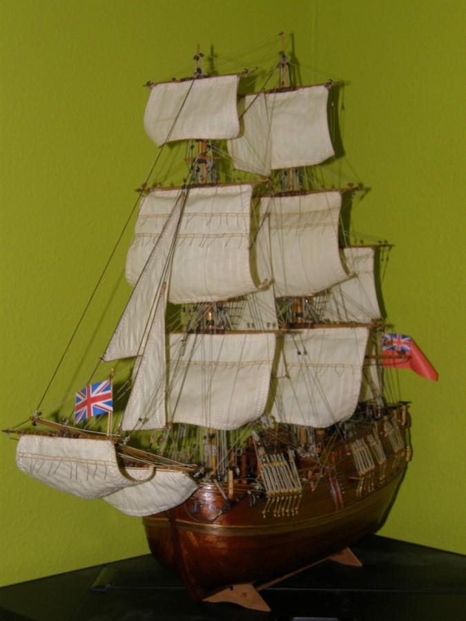 HMS ENDEAVOUR - Page 12 P1010133