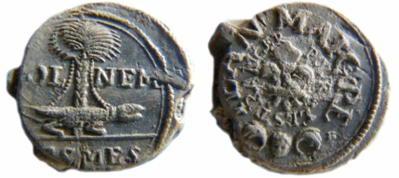 Les plombs de soyeux de Nîmes. For15210