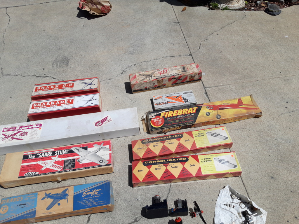 Kits and engines. $300 takes all 305c1e10