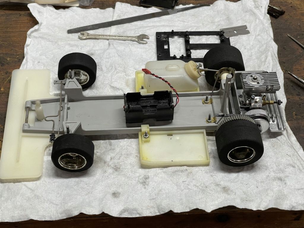 Jerobee Alfa T33 Can Am.... It works! Thanks Jason - Page 3 9443f910