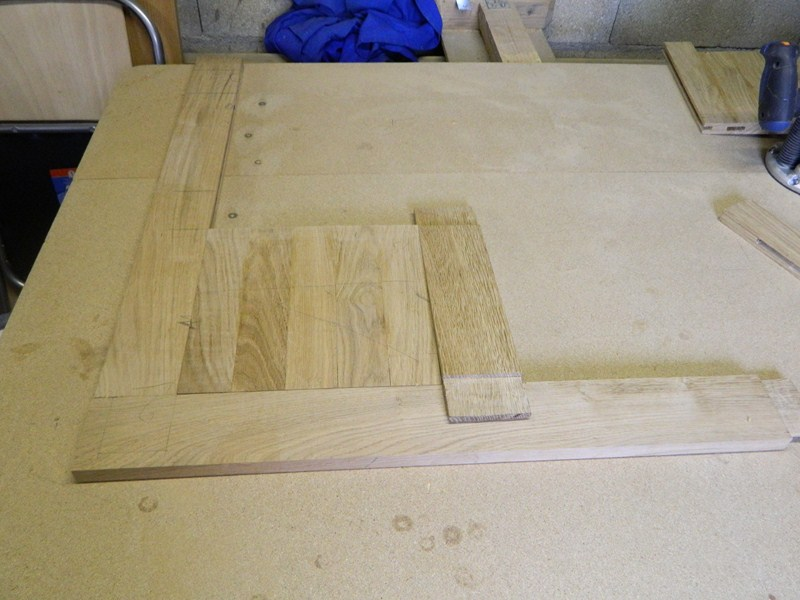 Table basse  de salon carrée  en chène  14_80010