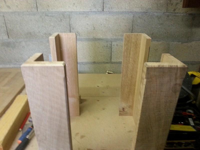 Table basse  de salon carrée  en chène  - Page 2 21800x10