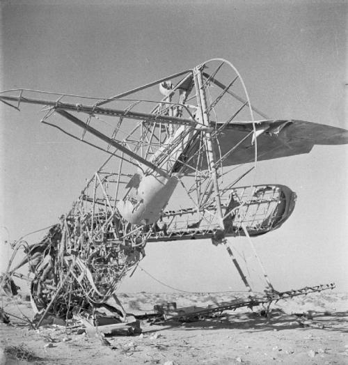 Cecil Beaton's war photography Aeropl10