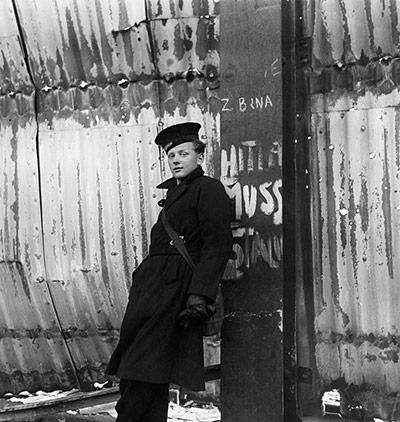 Cecil Beaton's war photography Cecil-15