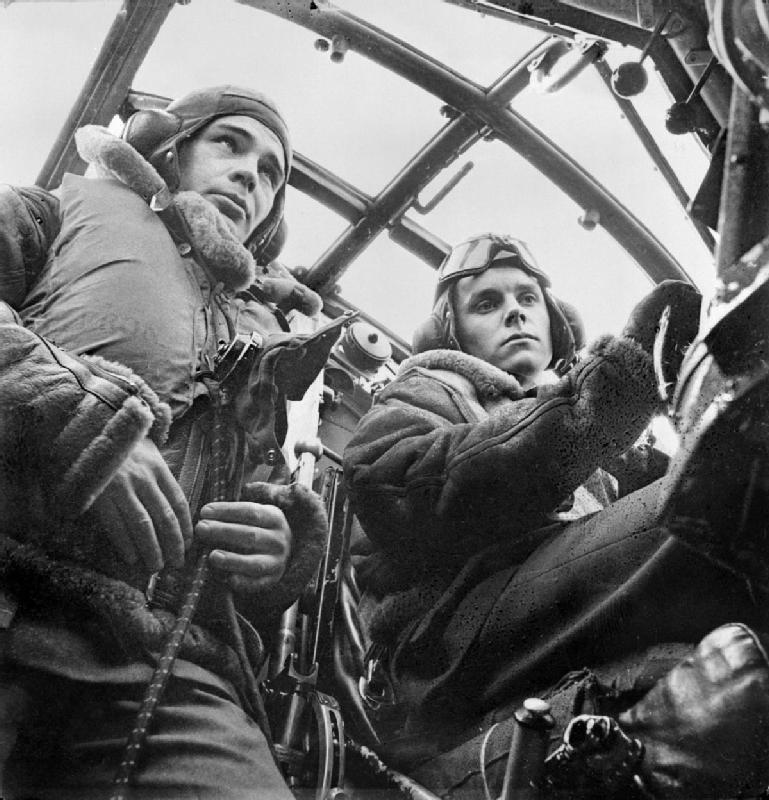 Cecil Beaton's war photography Davidd10