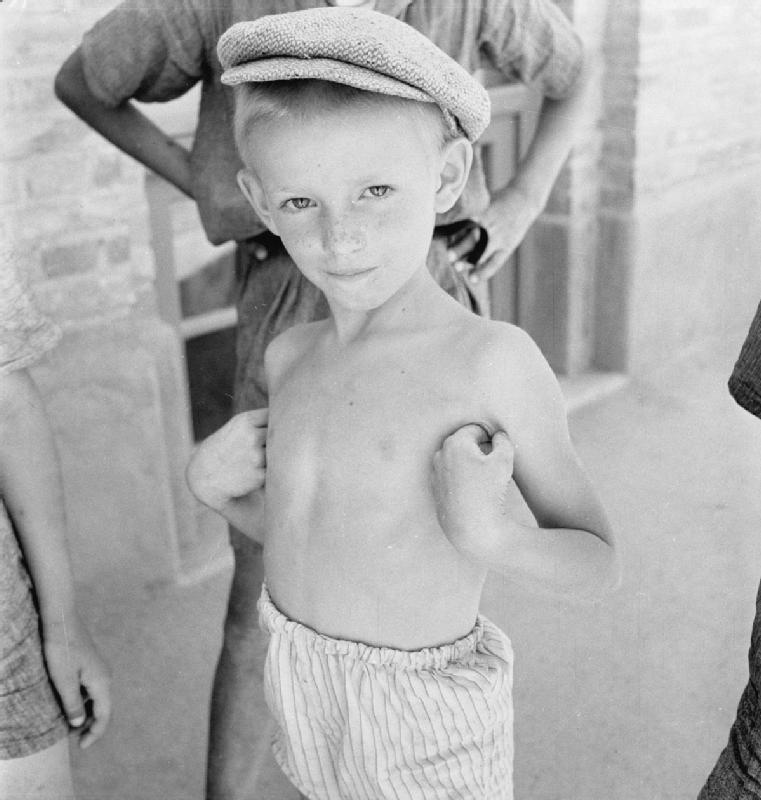 Cecil Beaton's war photography Jewisj10
