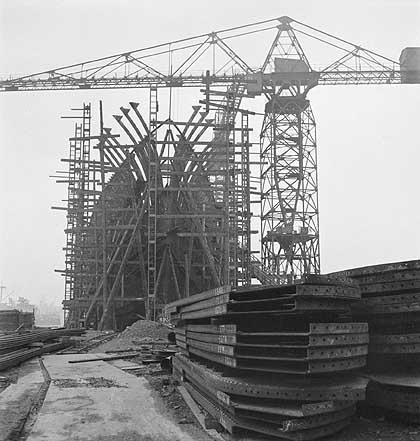 Cecil Beaton's war photography Ship_m10