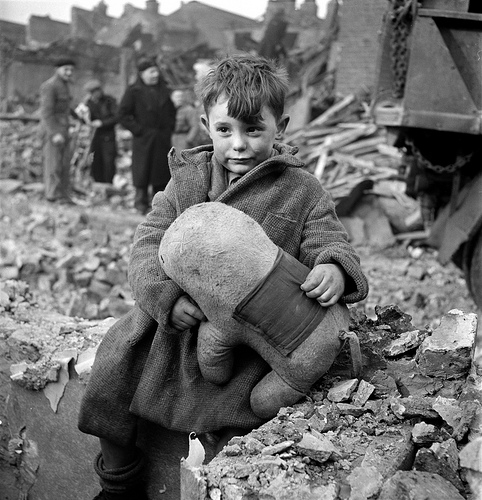 Cecil Beaton's war photography Tumblr10
