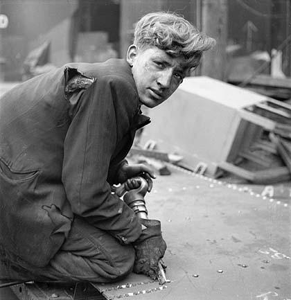 Cecil Beaton's war photography V0_mas10