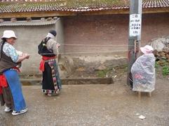 La Chine sac au dos (23) Aux confins du Gansu (甘肃) et du Qinghaï (青海), un bel aperçu  du Bouddhisme Tibétain 23-12-10