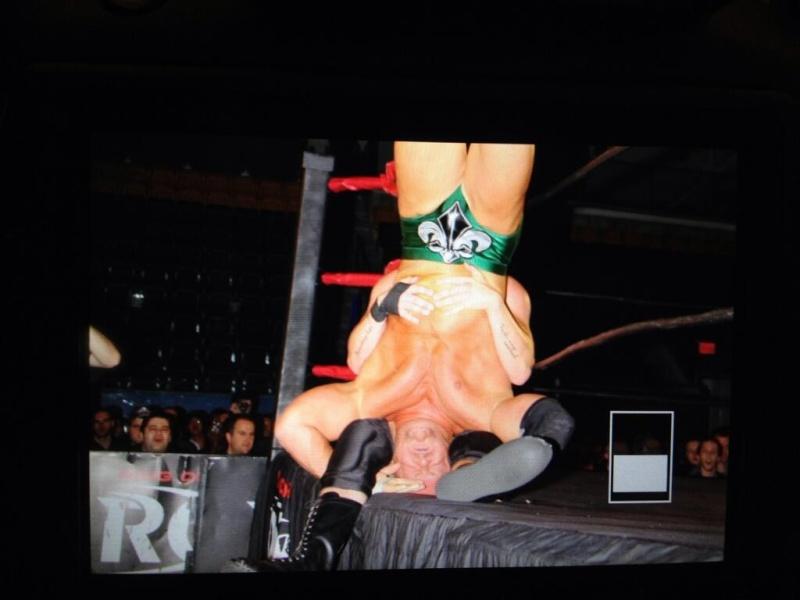 [Compétition] Un lutteur de la ROH blessé Bqyaa010