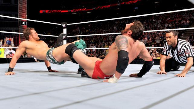 [Divers] Un an de Raw de 3 heures : le top 10 des meilleurs matchs Raw_1015