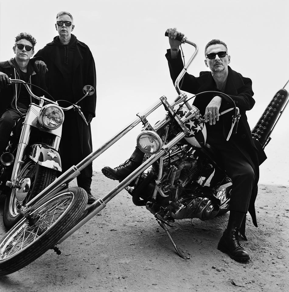 Ils ont posé avec une Harley, uniquement les People - Page 20 R-232011