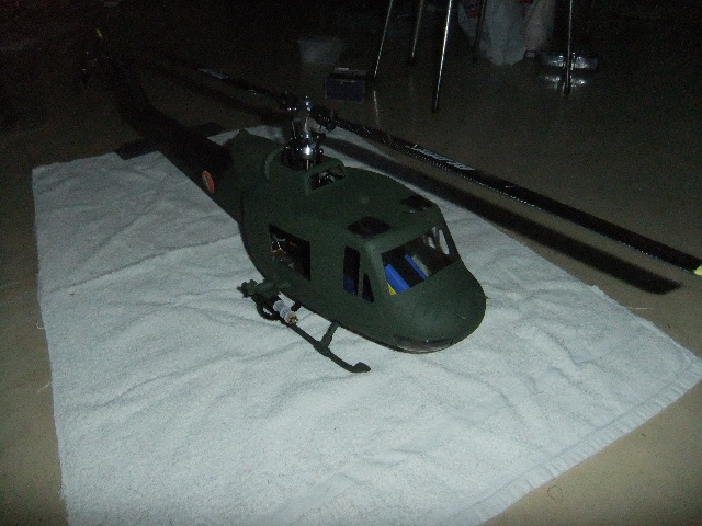 1er Blade 450X en UH-1 Dscf2319