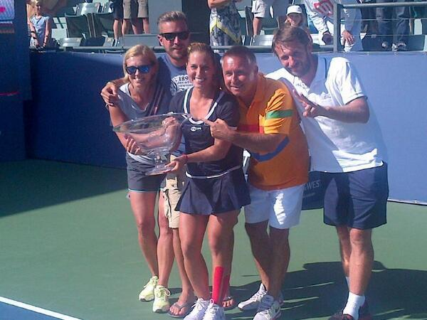 WTA STANFORD 2013 : infos, photos et vidéos - Page 4 Bqtpxr10