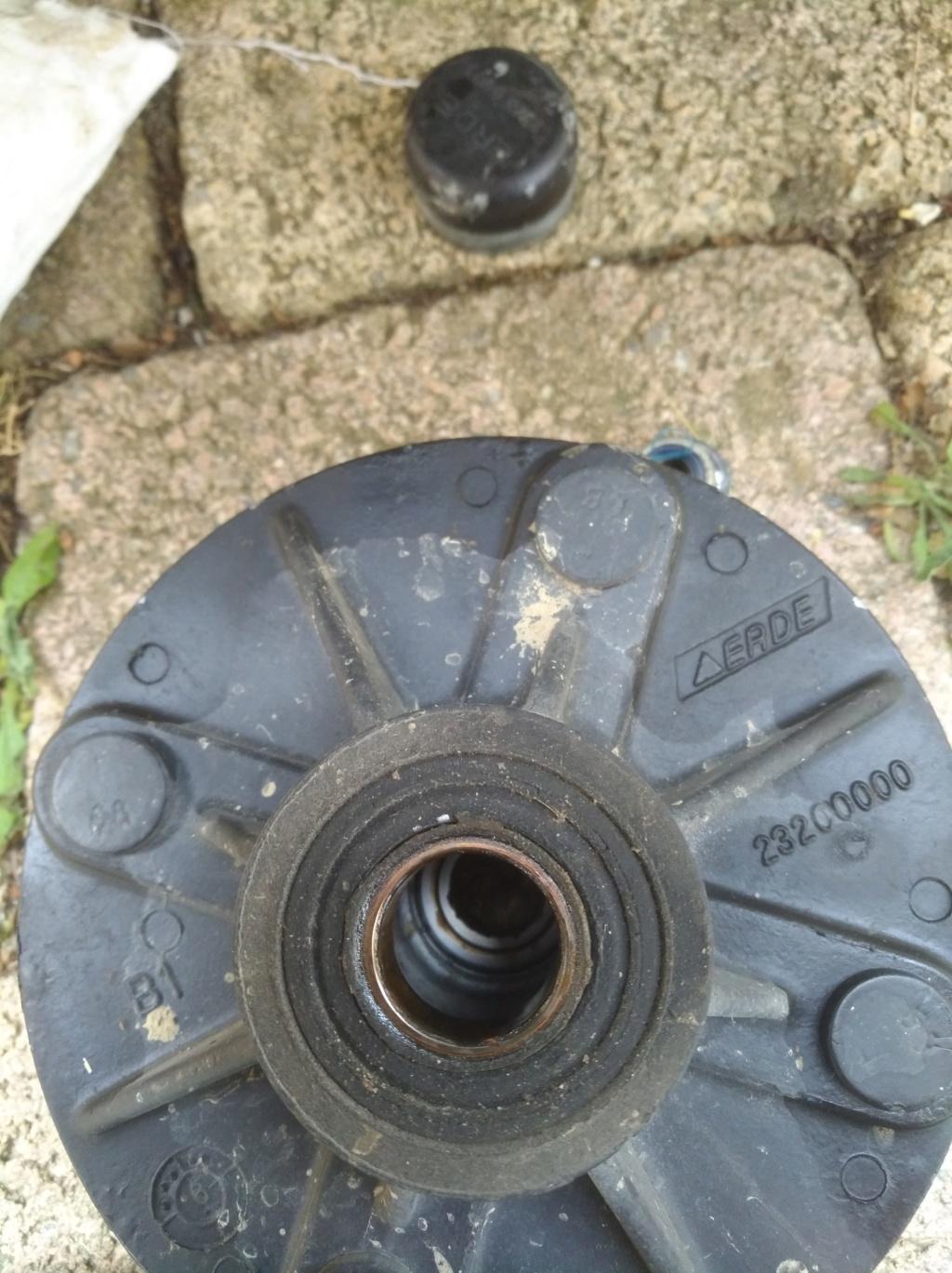 changement de diamètre de roue de remorque Img_2059