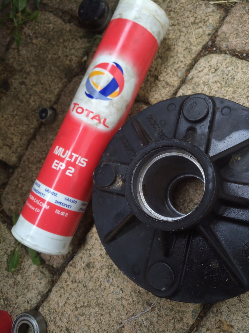 changement de diamètre de roue de remorque Img_2062