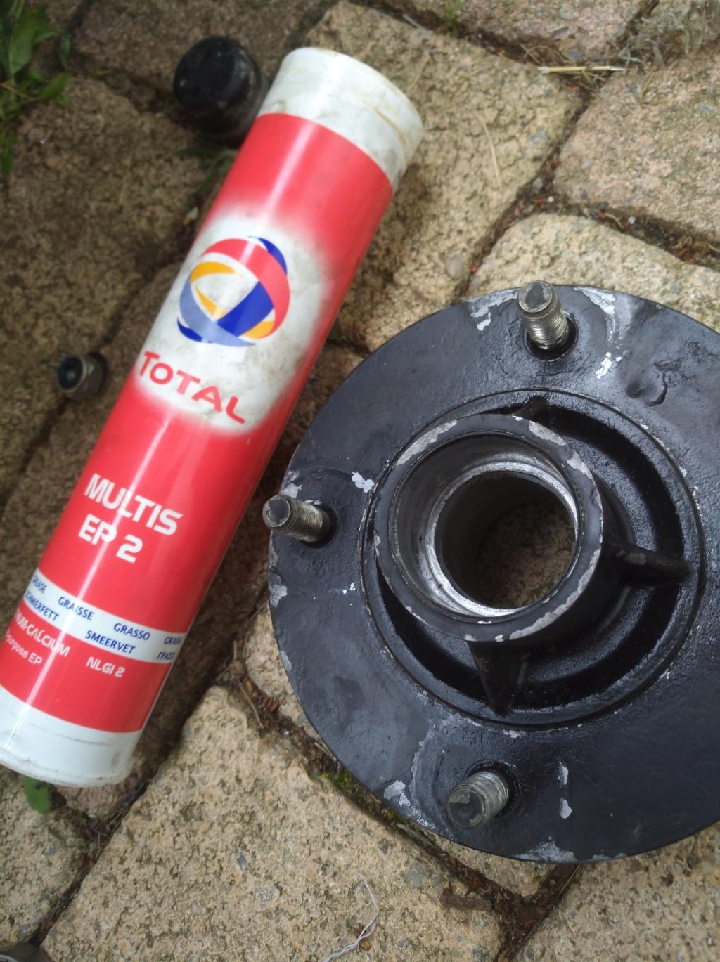 changement de diamètre de roue de remorque Img_2063