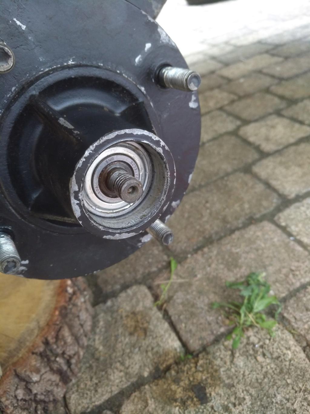 changement de diamètre de roue de remorque Img_2065