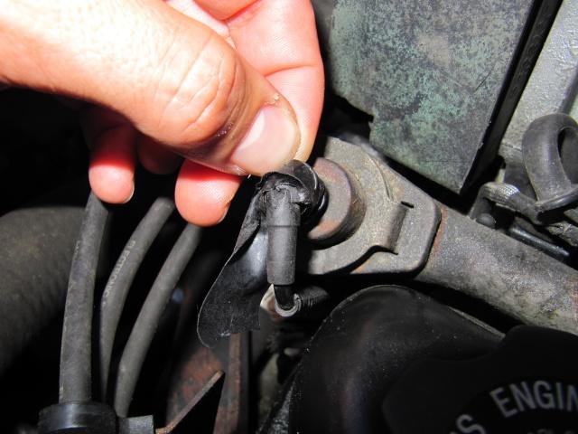 [RESOLU] durite percée près sur le bloc moteur (3.3 1992) Rampea12