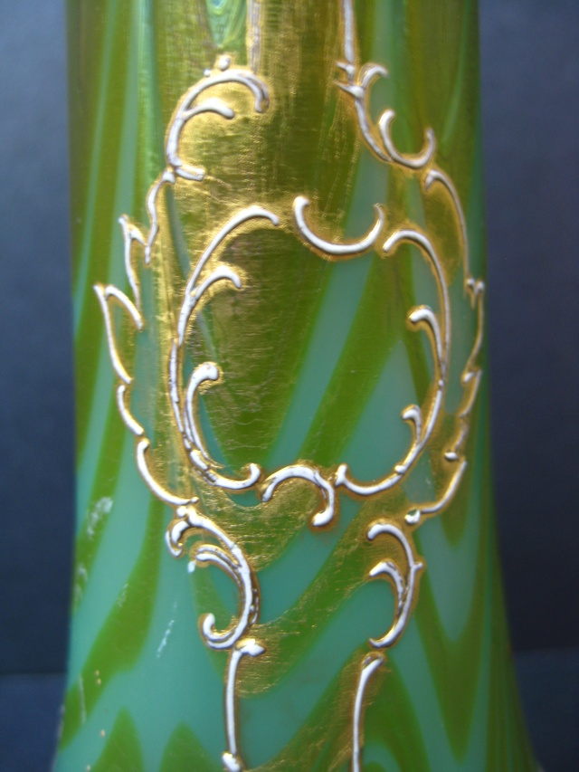 Satin Glass Bud Vase. like Daum or Loetz but no Markings. Thoughts? Img_1018
