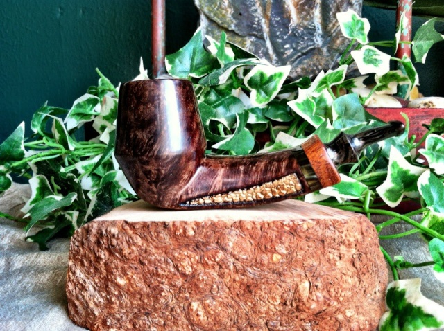 Two more Boulder & Briar pipes Gold_r10