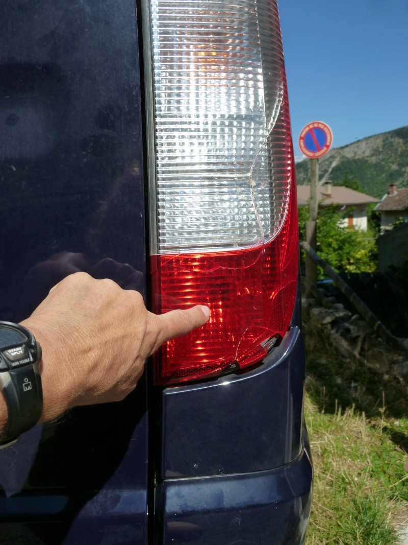 feux arrieres droits P1020317