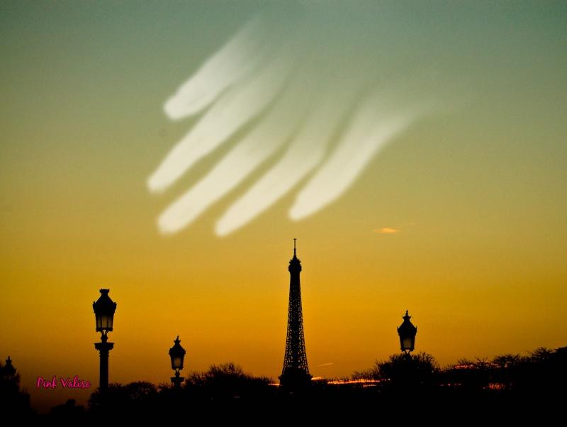1 cométe assez brillante pour changer la nuit en jour attendue en 2013 Comet_10