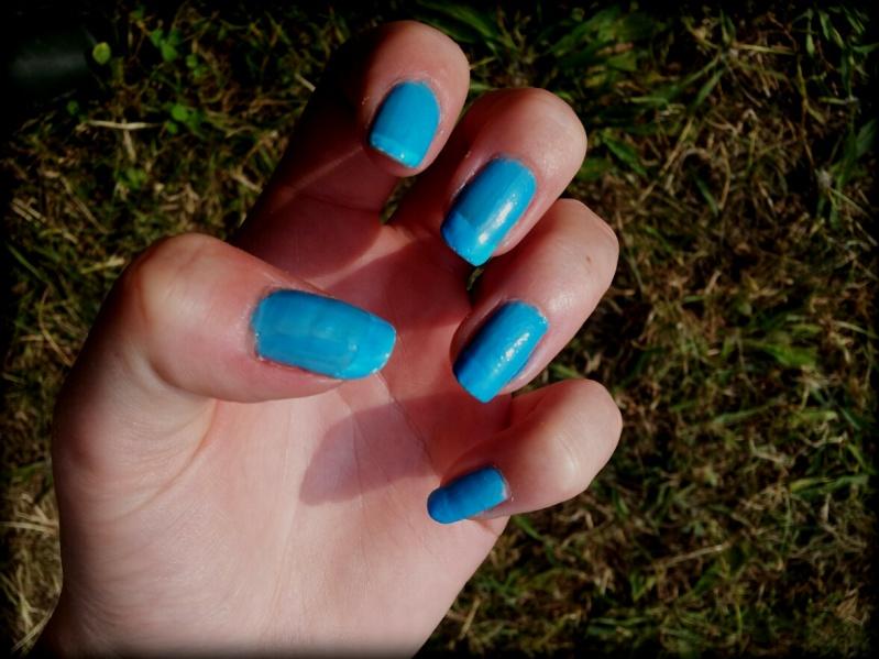 Vernis bleu Bleu_o10
