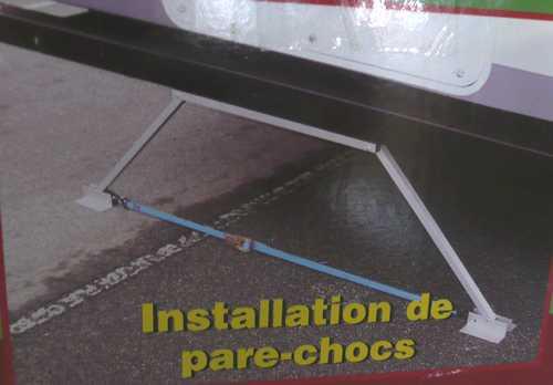 À VENDRE - STABILISATEUR DE VR, MOTORISÉ OU TENTE-ROULOTTE  P1140911