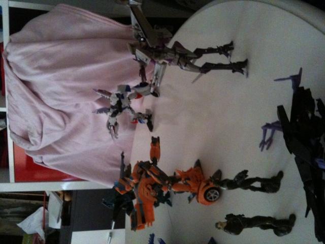 Vos montages photos Transformers ― Vos Batailles/Guerres | Humoristiques | Vos modes Stealth Force | etc - Page 9 Img_0514