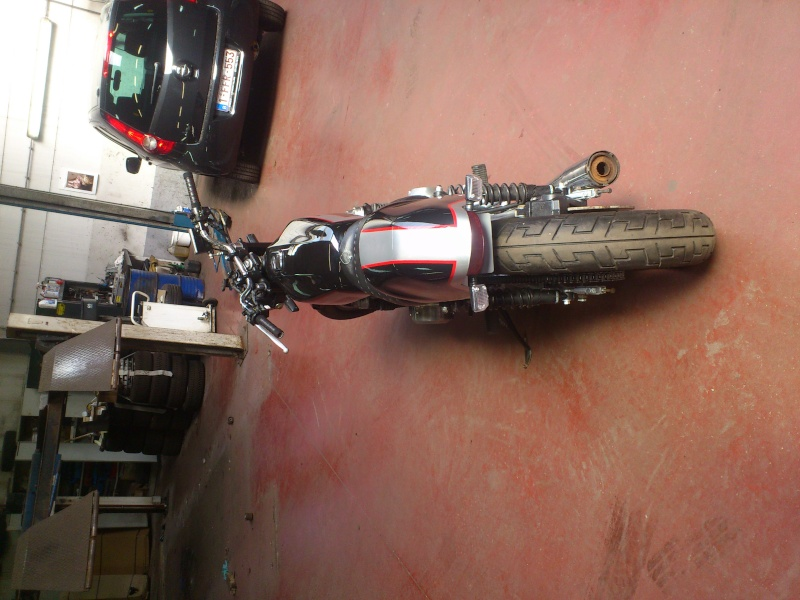 Kawa Z500 pourrie vers racer sympa et low cost>>> photos fin - Page 4 Cafe310