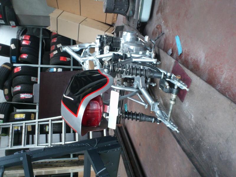 Kawa Z500 pourrie vers racer sympa et low cost>>> photos fin - Page 3 Mont210