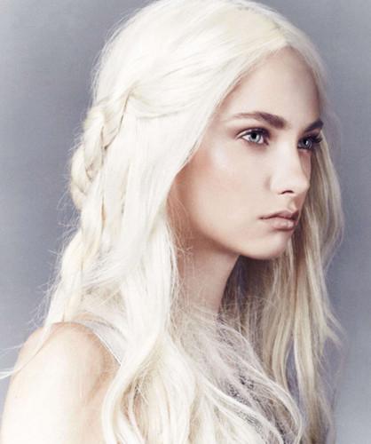 Celebrity look a likes  Emilia10