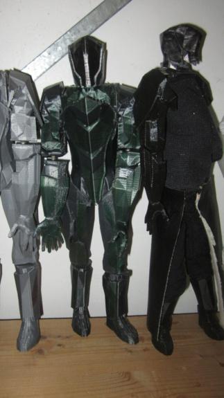 Service d'impression des personnages de Star Trek Online en 3D - Page 3 Img_7415