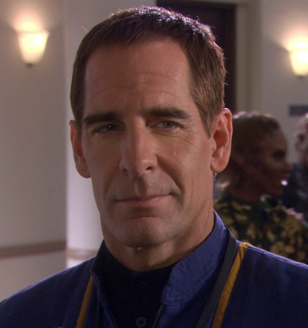 [En cours] Les figurines des capitaines des series Star Trek en Animatronic à l'echelle 1/6 Jonath10