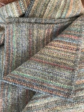 help identifying origin maker of wool blanket Img_9012