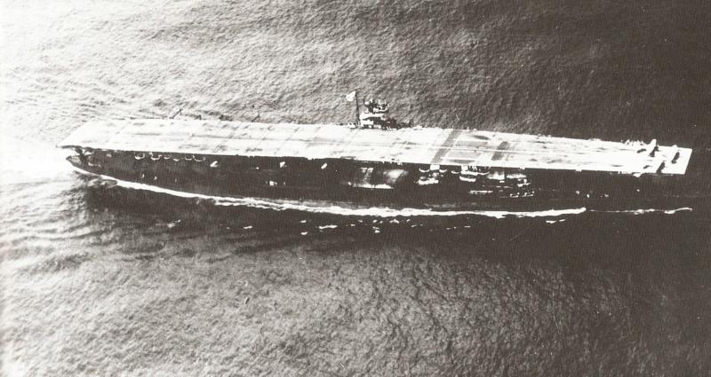[Article] BATAILLE DE MIDWAY (4-7 JUIN 1942) (Terminé) Akagi_10