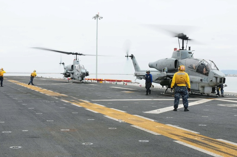 LANDING HELICOPTER DOCK (LHD) CLASSE WASP (TERMINE) Bell_a17