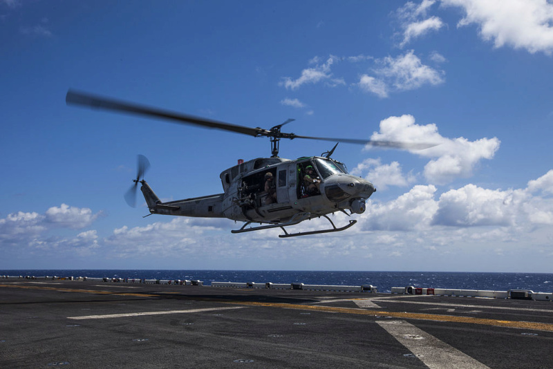 LANDING HELICOPTER DOCK (LHD) CLASSE WASP (TERMINE) Bell_u12
