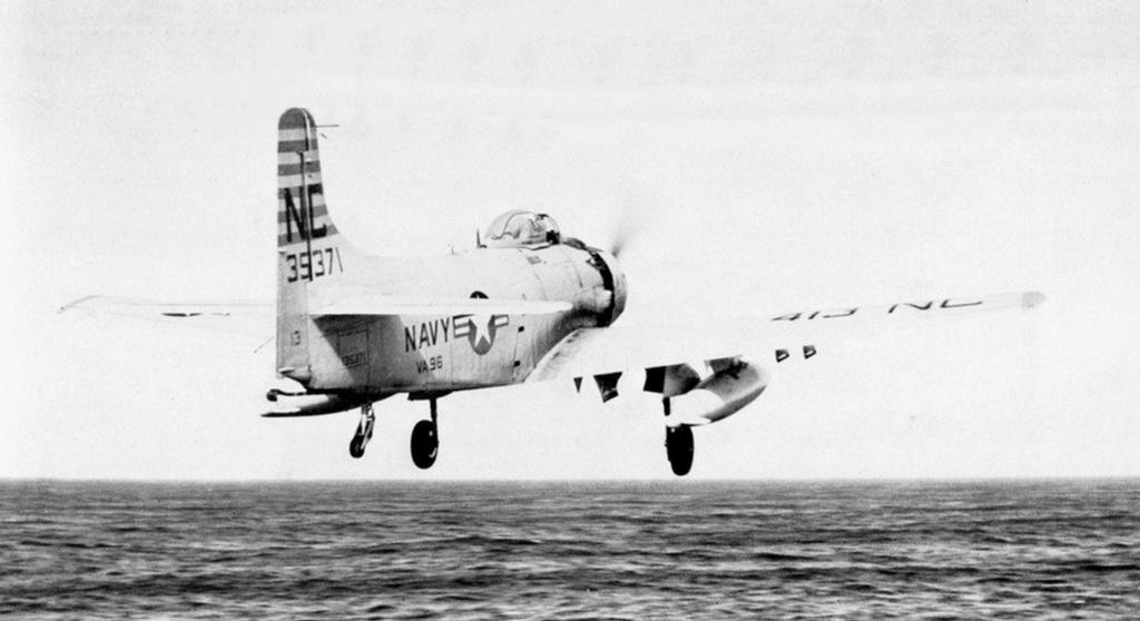 PORTE-AVIONS USS ENTERPRISE (CVN-65) Dougla43